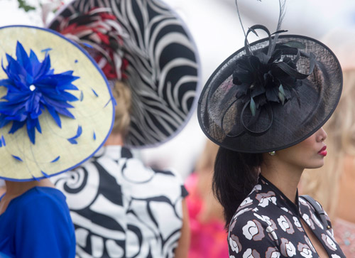 Fashion stakes are high at Ayr Racecourse